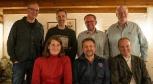 Der Electrify-BW Vorstand: vorne v.l.n.r.: Jana Höffner, Andreas Hohn, Egmont Graf. hinten v.l.n.r.: Jérôme Brunelle, Christian Frey, Ulrich Schmidt, Jens Kupper